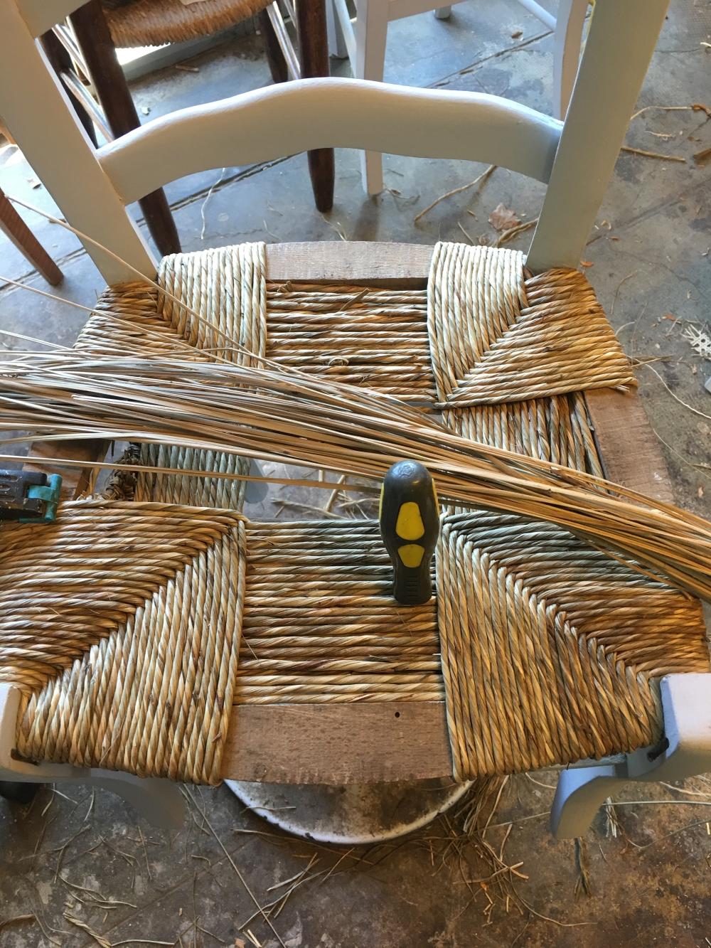 Rempaillage chaise paillage chaise nimes gard for Rempaillage d une chaise